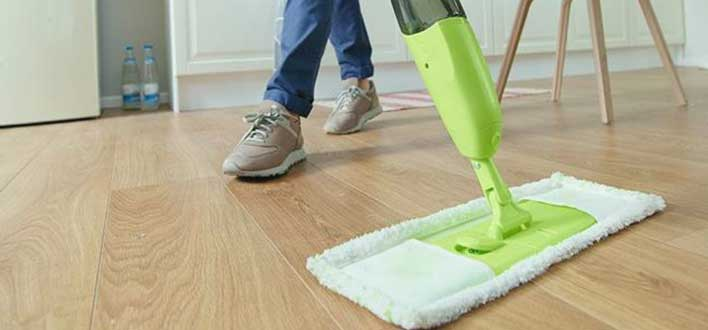 general-laminate-floor-cleaning-with-mop