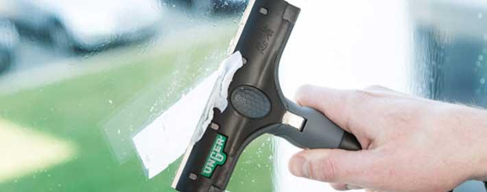 Unger-EN150-window-glass-scraper