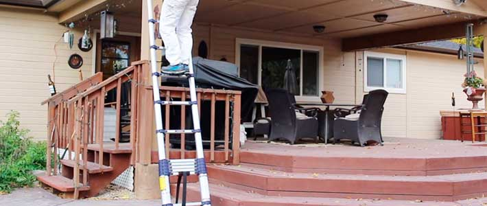 Xtend-&-Climb-Aluminum-gutter-cleaning-Ladder