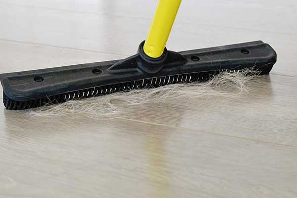 table-image-rubber-broom-1