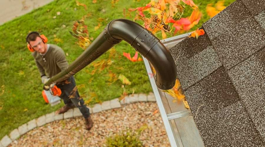 How-to-Use-Leaf-Blower-&-Extension-to-Clean-Gutters